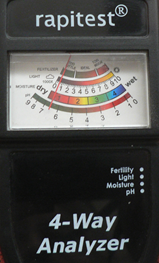 4 Way Analyzer measures moisture, light, pH and fertilizer levels